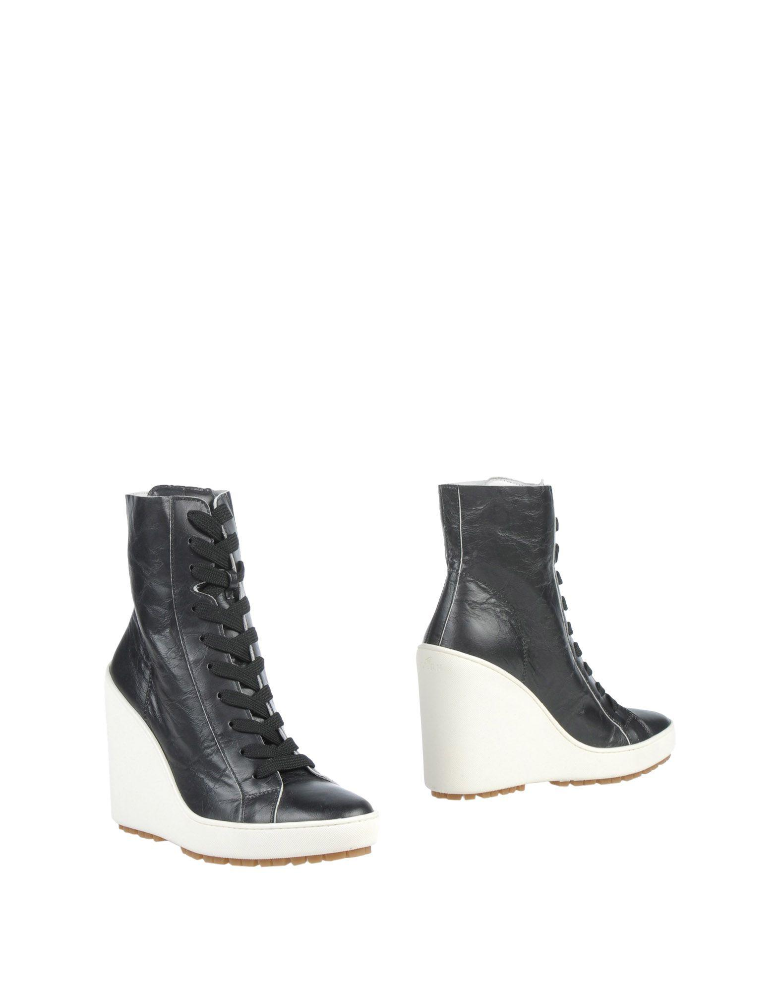 Hogan Ankle Boot In Black
