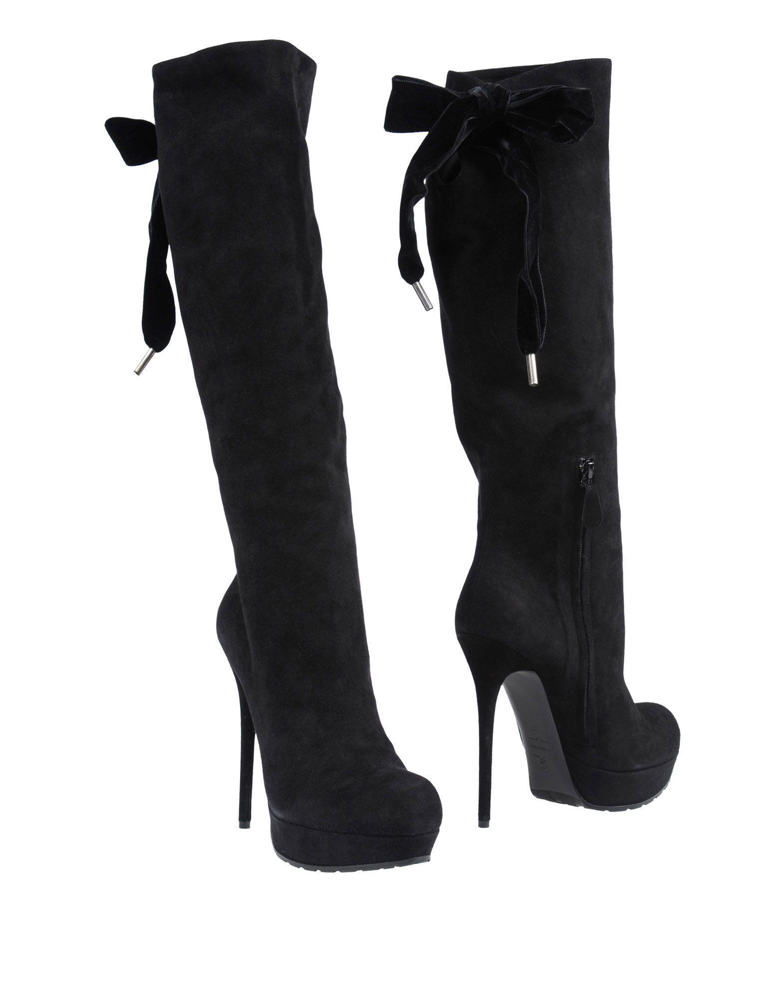 Alexander Mcqueen Boots In Black