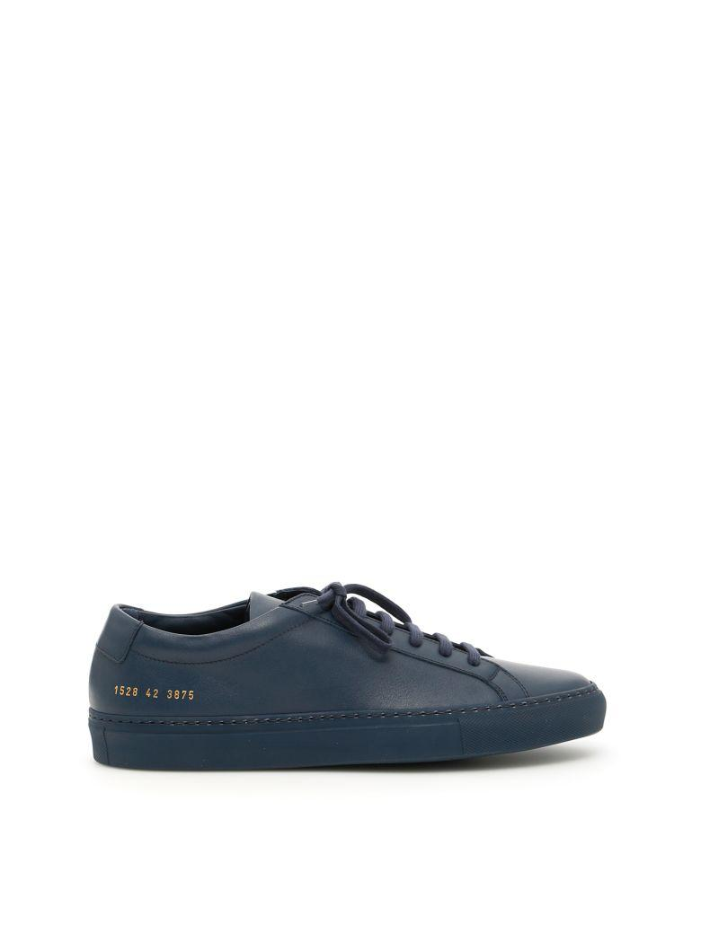 Common Projects Original Achilles Low Sneakers In Navyblu