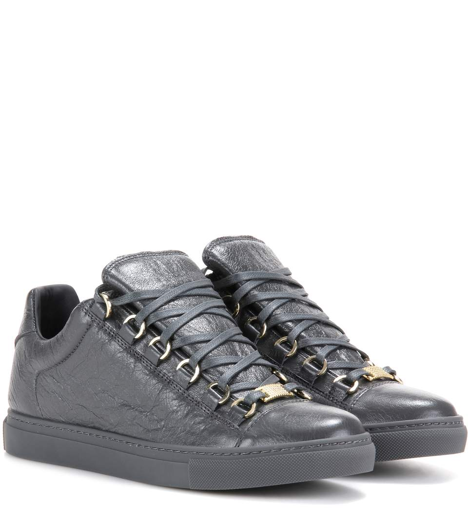 Balenciaga Arena Low-top Leather Trainers In Gris Fossile