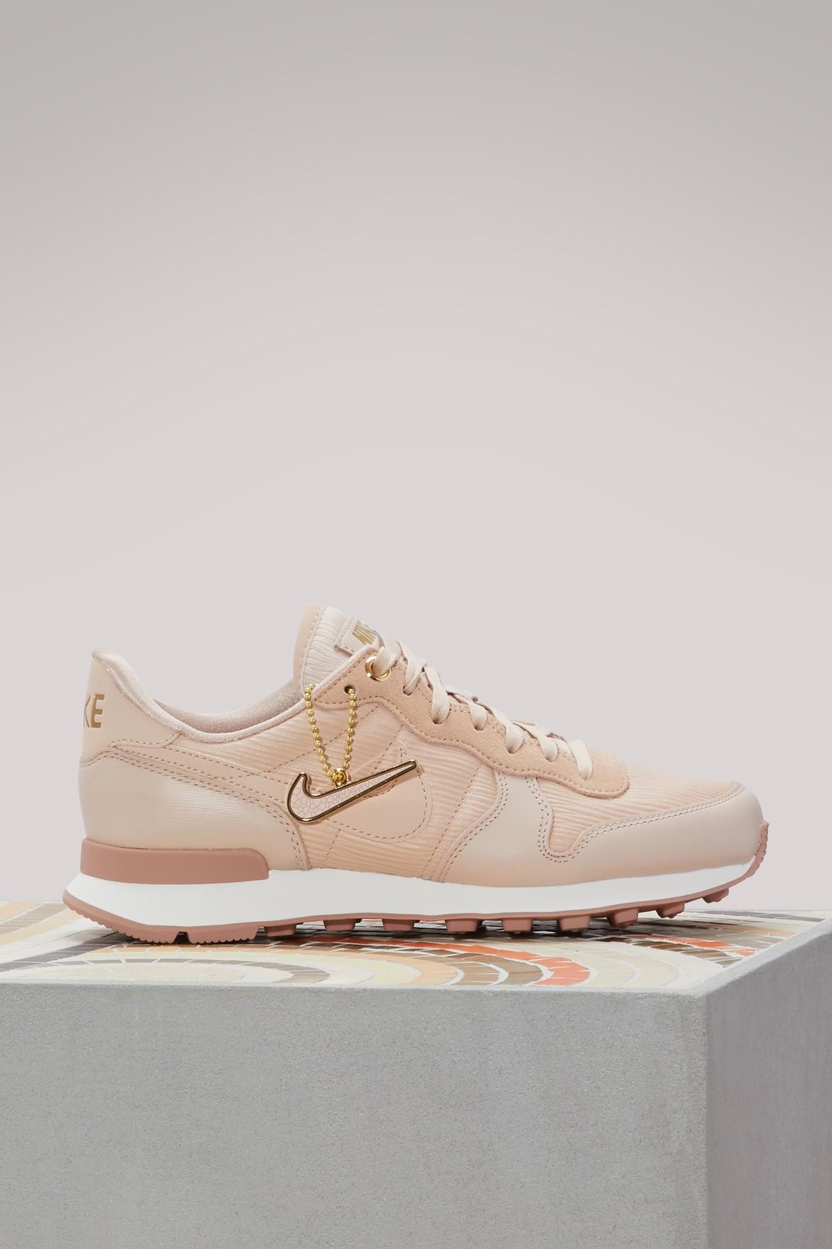 on sale 9ee02 a2cb7 Nike Premium Internationalist Sneakers In Particle Beige Particle Beige