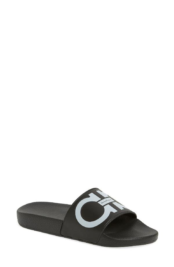 Salvatore Ferragamo Women's Groove Pool Slide Sandals In Black/ White