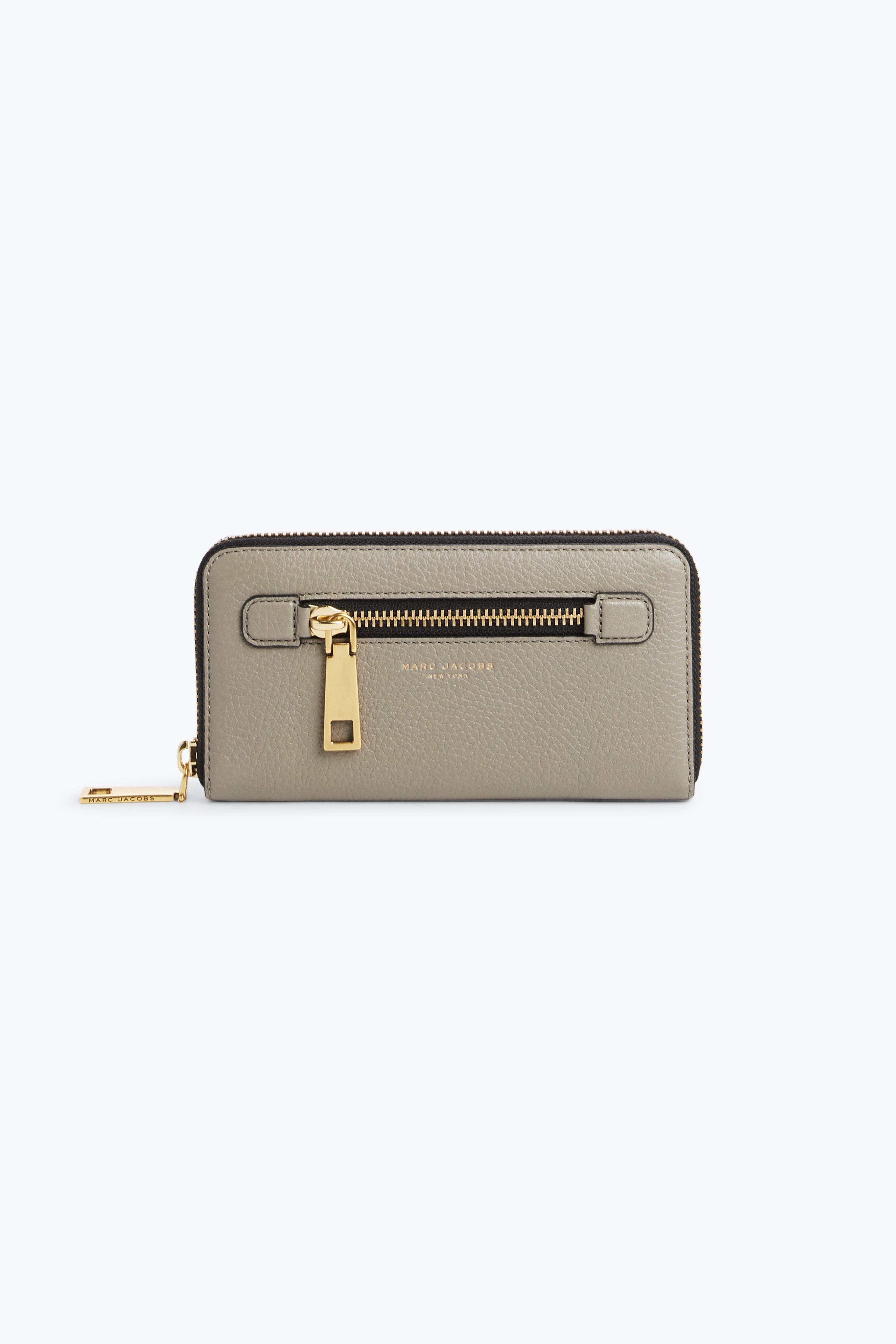 Marc Jacobs Gotham Standard Continental Wallet In Stone Grey