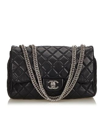 Chanel Pre-owned: Jumbo Classic Leather Flap Bag In Black