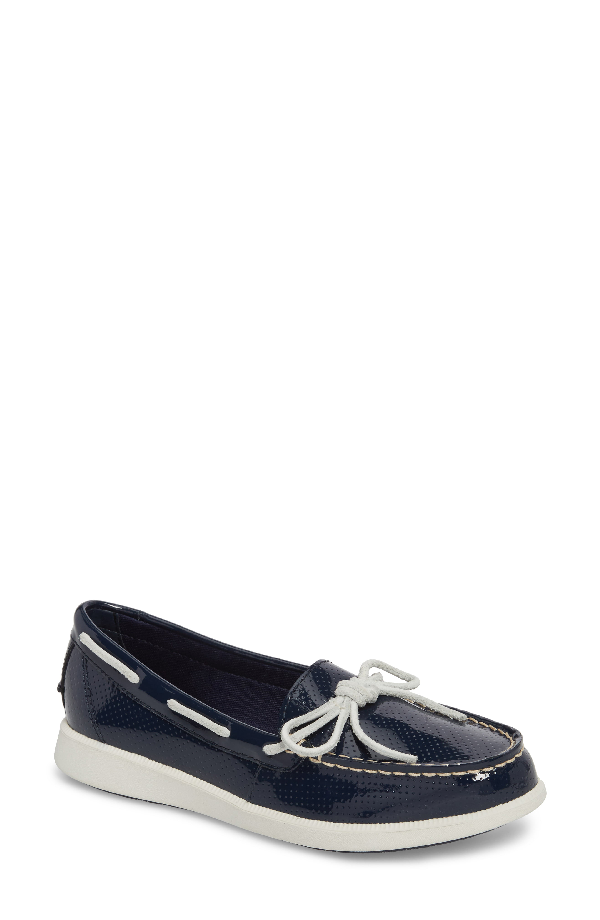 Sperry Oasis Boat Shoe In Navy Patent Leather