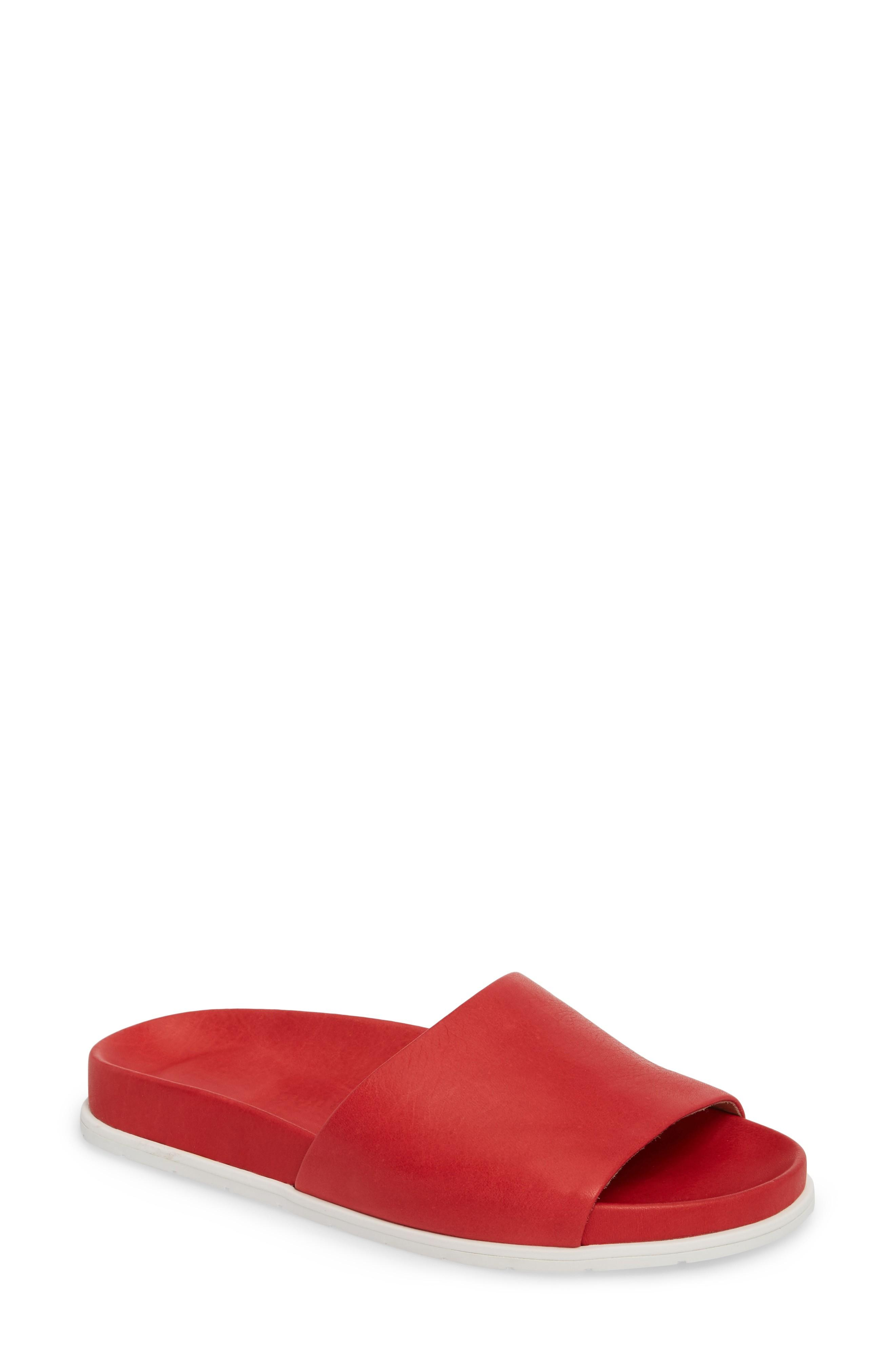 Gentle Souls By Kenneth Cole Iona Slide Sandal In Lipstick Leather