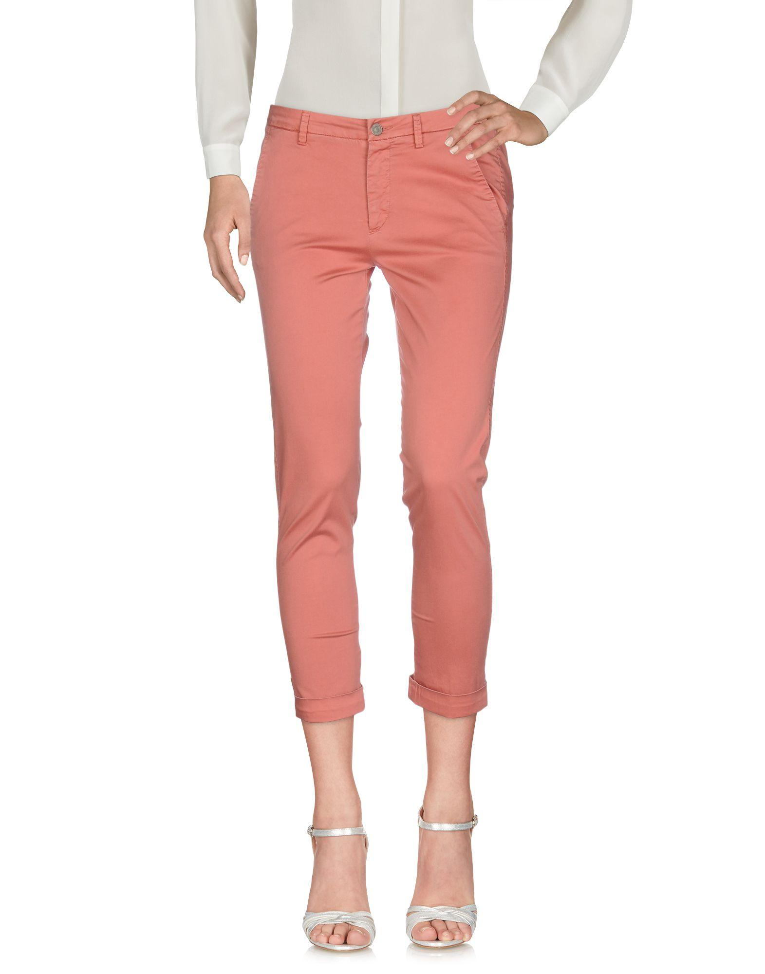 7 For All Mankind 3/4-Length Shorts In Pastel Pink