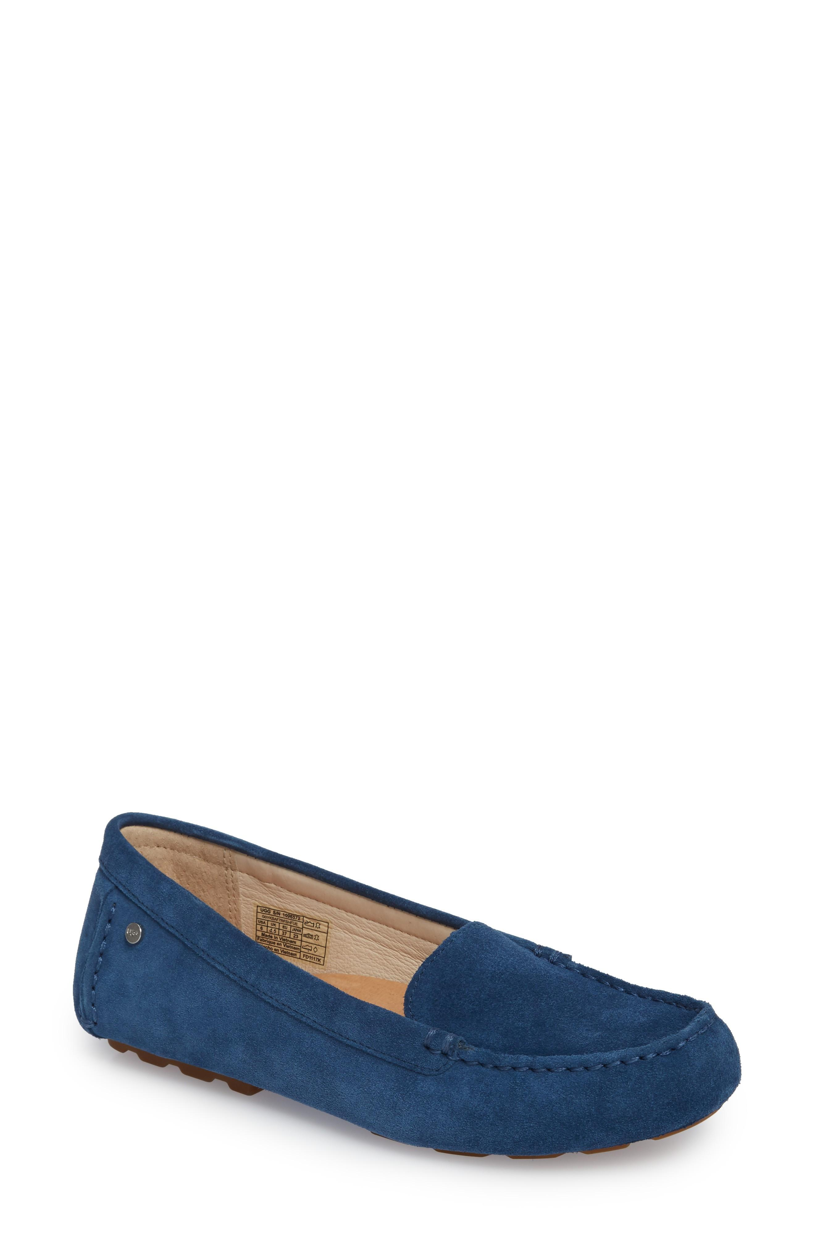 53cfe732660 Triple-layer foam cushioning in the Imprint by UGG footbed offers excellent  comfort in a flexible