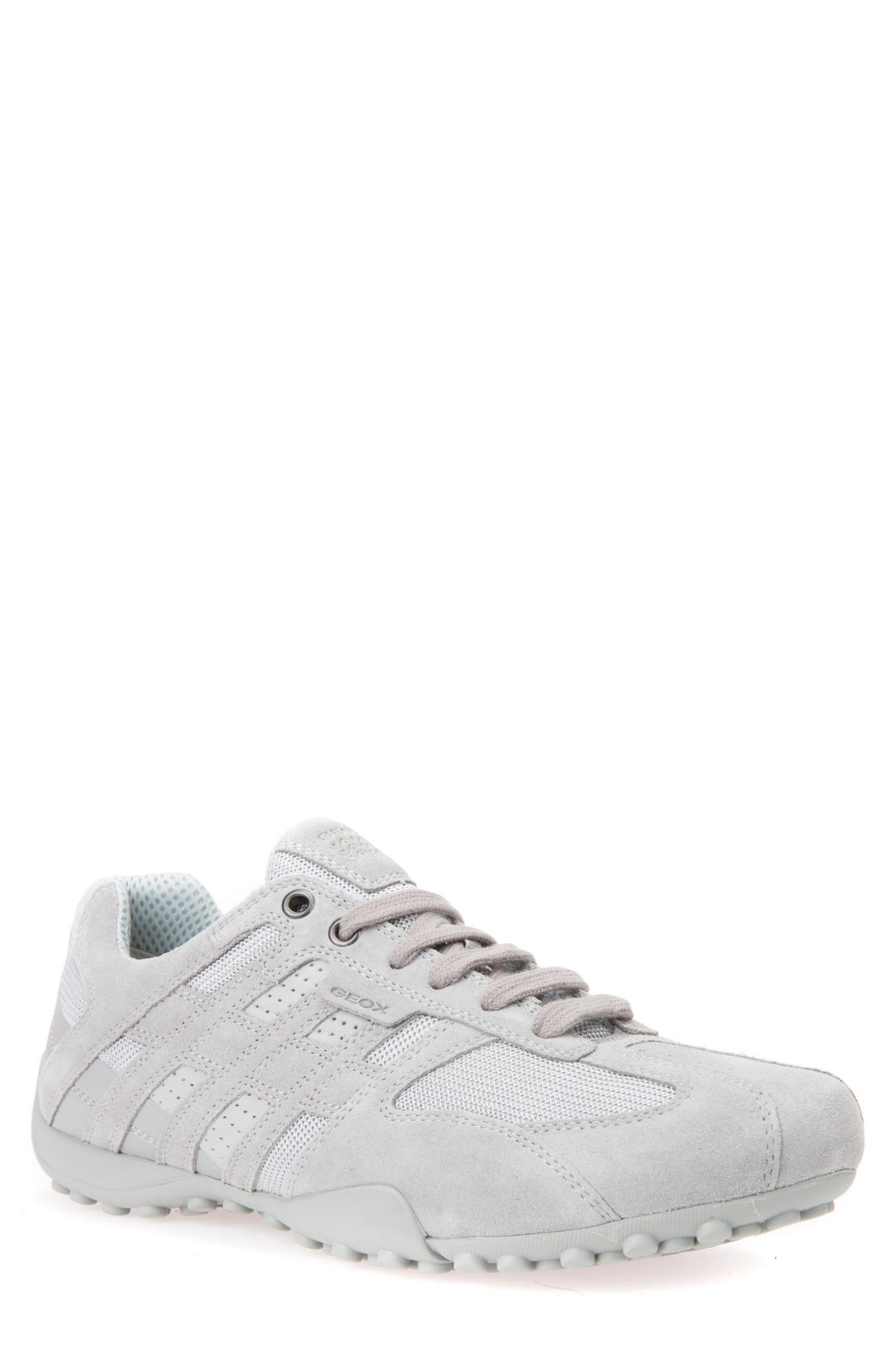 Snake 125 Low Top Sneaker in Light Grey
