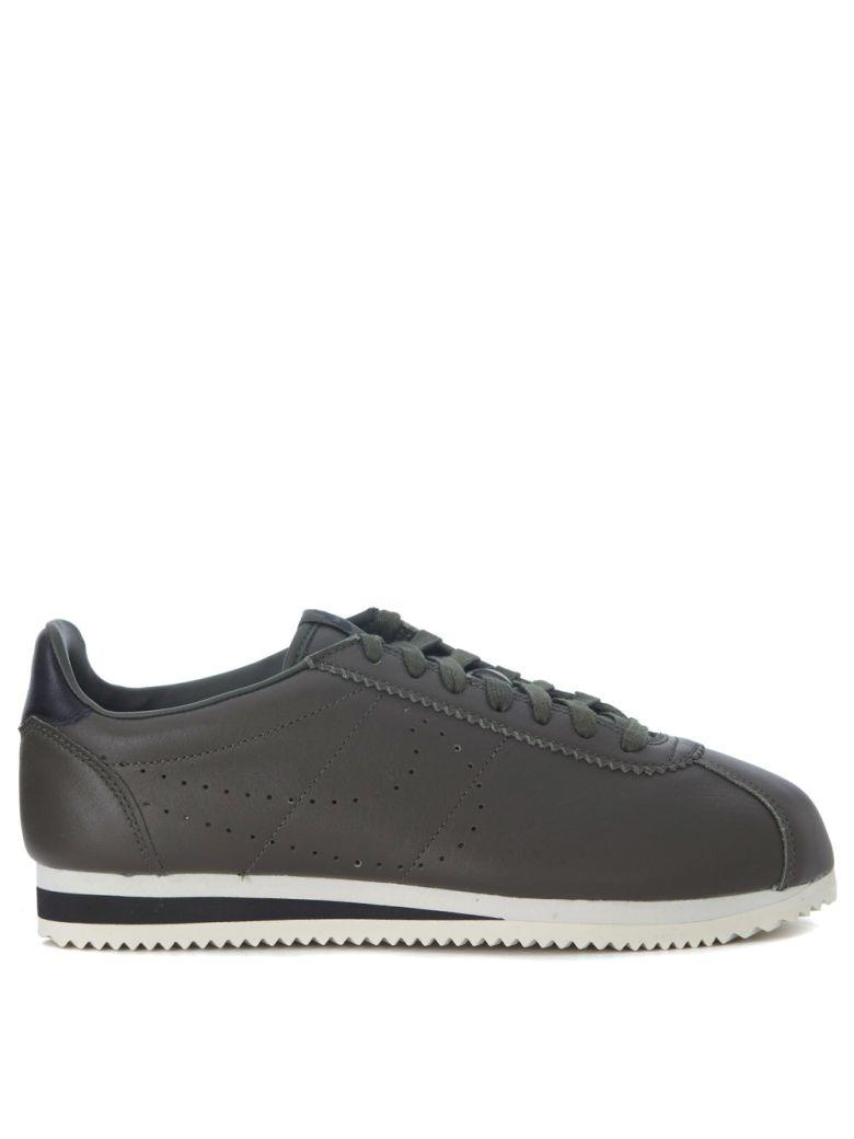 best service d02c8 cc882 Nike Classic Cortez Olive Green Premium Leather Sneakers In Verde