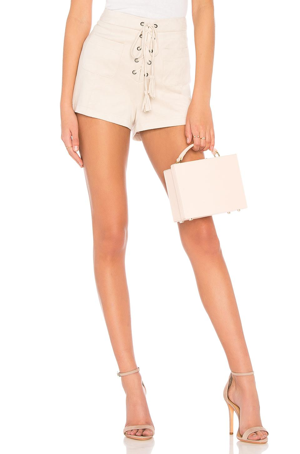Cupcakes And Cashmere Esley Short In Beige