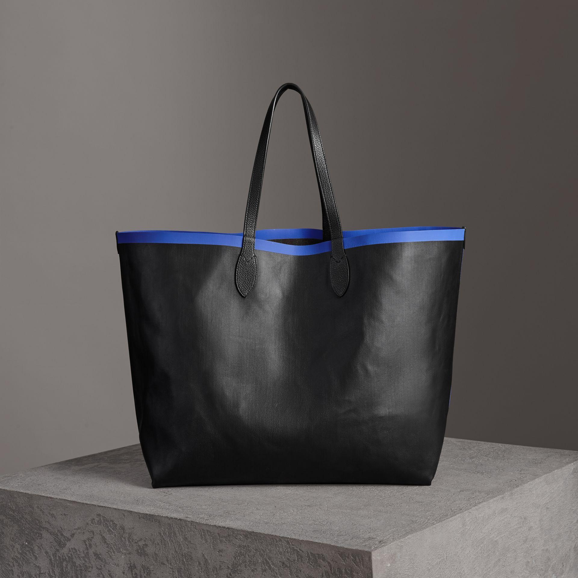 9aa3fb3ef993 Burberry The Giant Reversible Tote In Canvas Check And Leather In  Blueberry Black