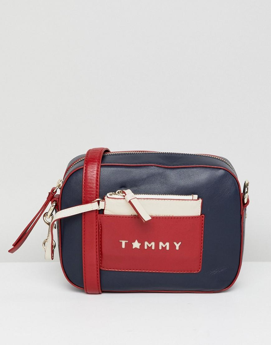 Tommy Hilfiger Iconic Camera Bag In Leather - Multi
