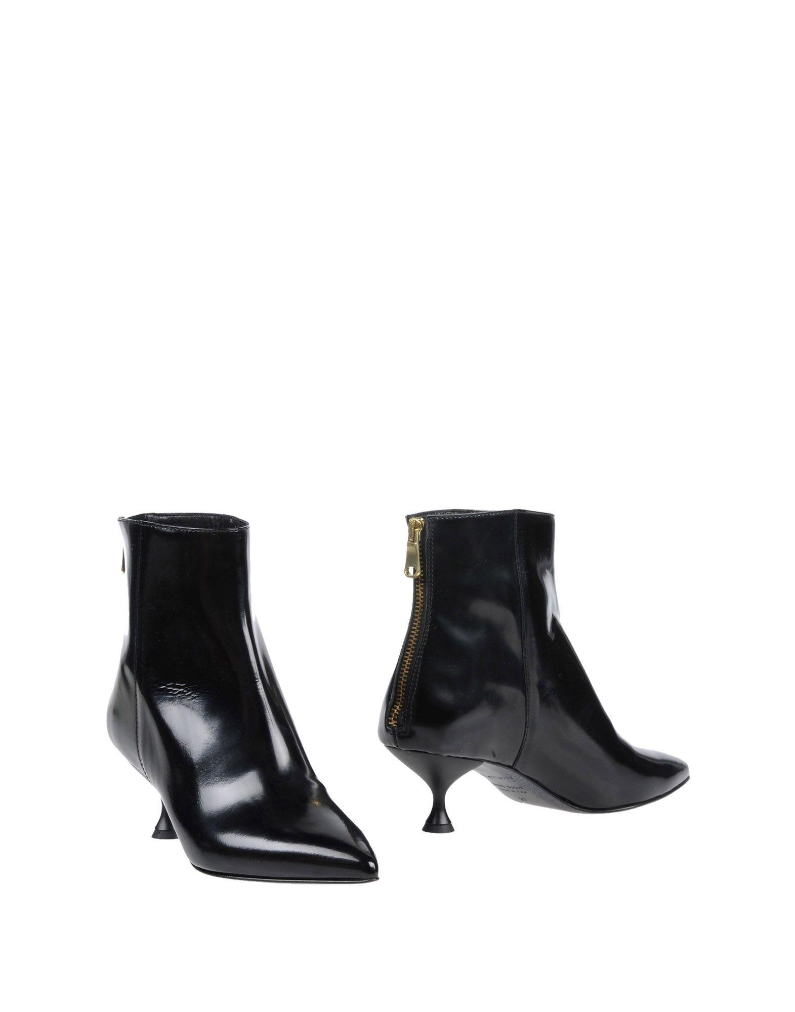 Tipe E Tacchi Ankle Boots In Black