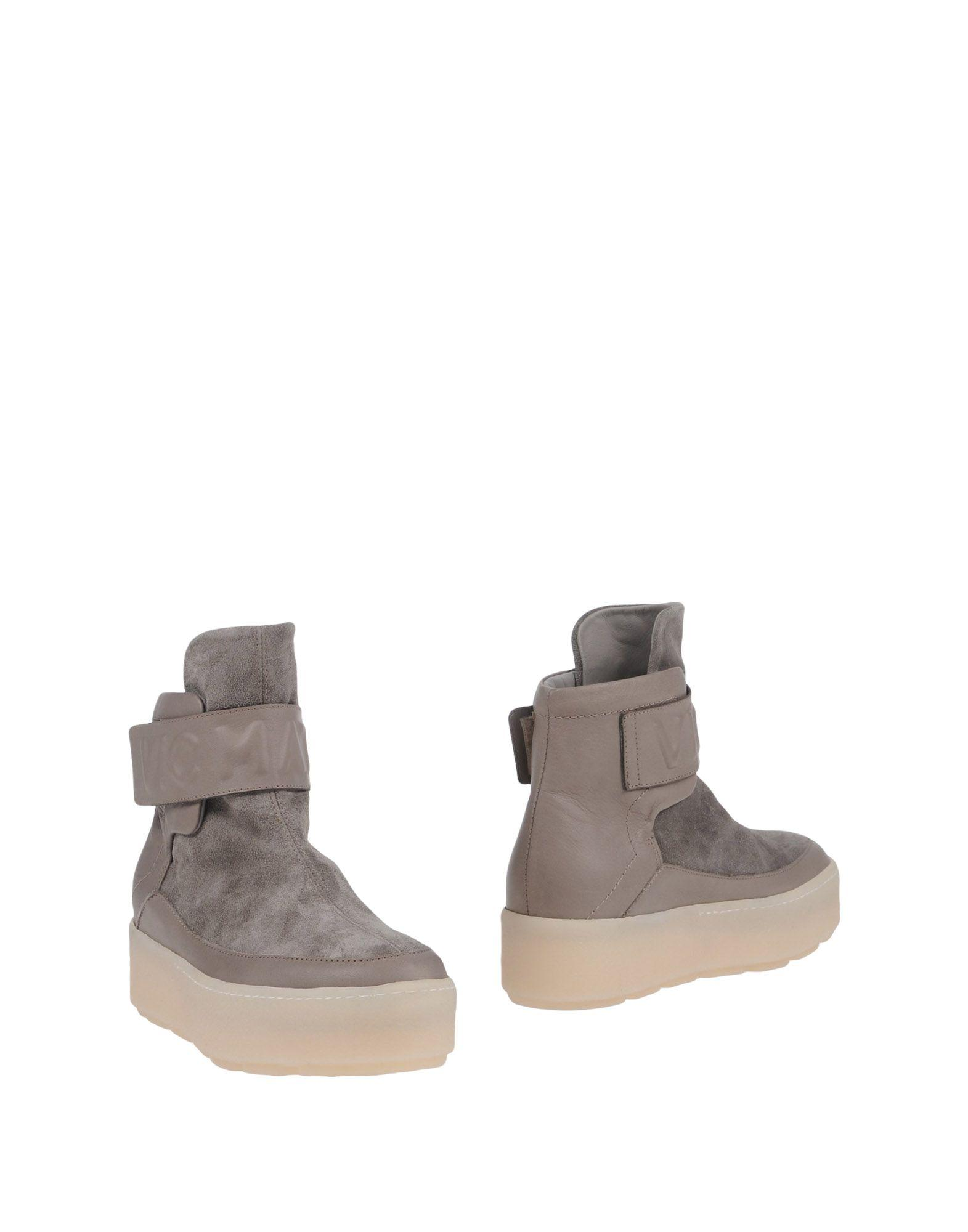 Vic Matie Ankle Boots In Dove Grey