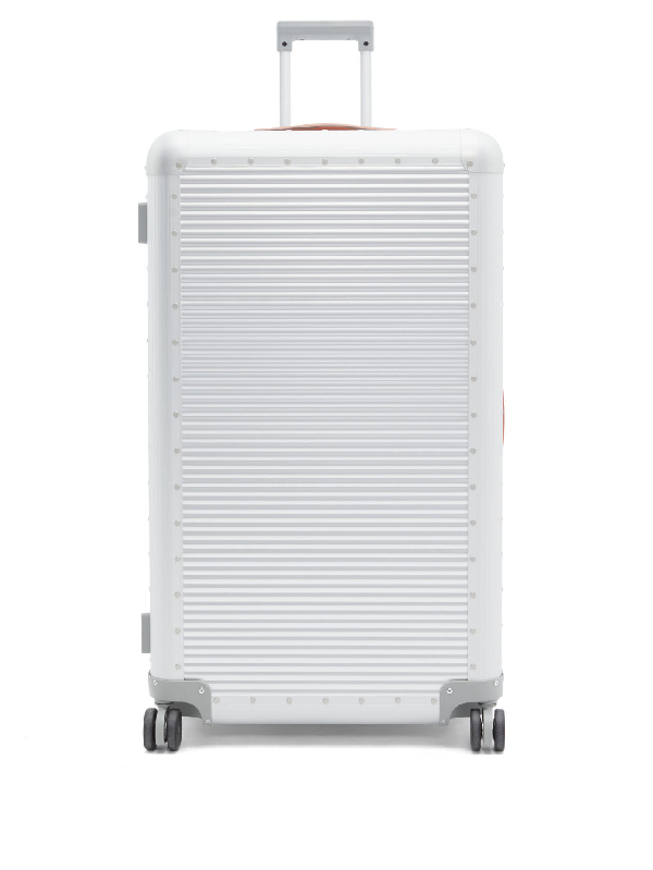 Fabbrica Pelletterie Milano Bank Spinner 84 Aluminium Suitcase In Silver