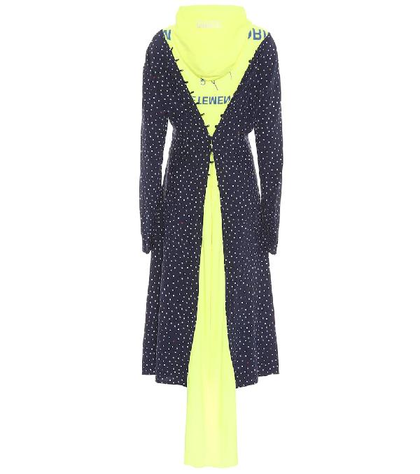 Vetements Hooded Contrast Emoji Print Dress In Blue
