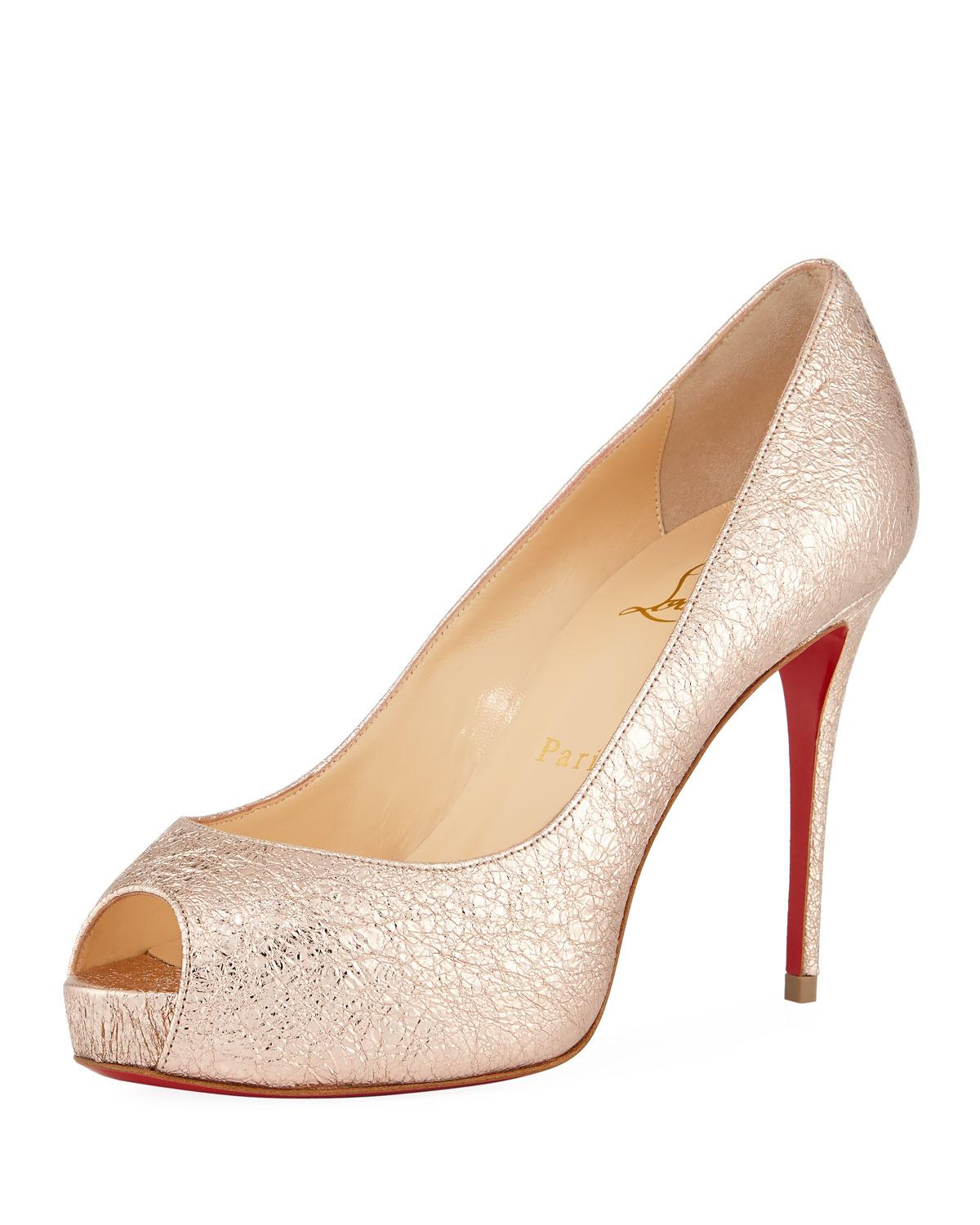 8e3ec4610ffb CHRISTIAN LOUBOUTIN. New Very Prive 100Mm Crackled Leather Red Sole Pump in  Rose Gold
