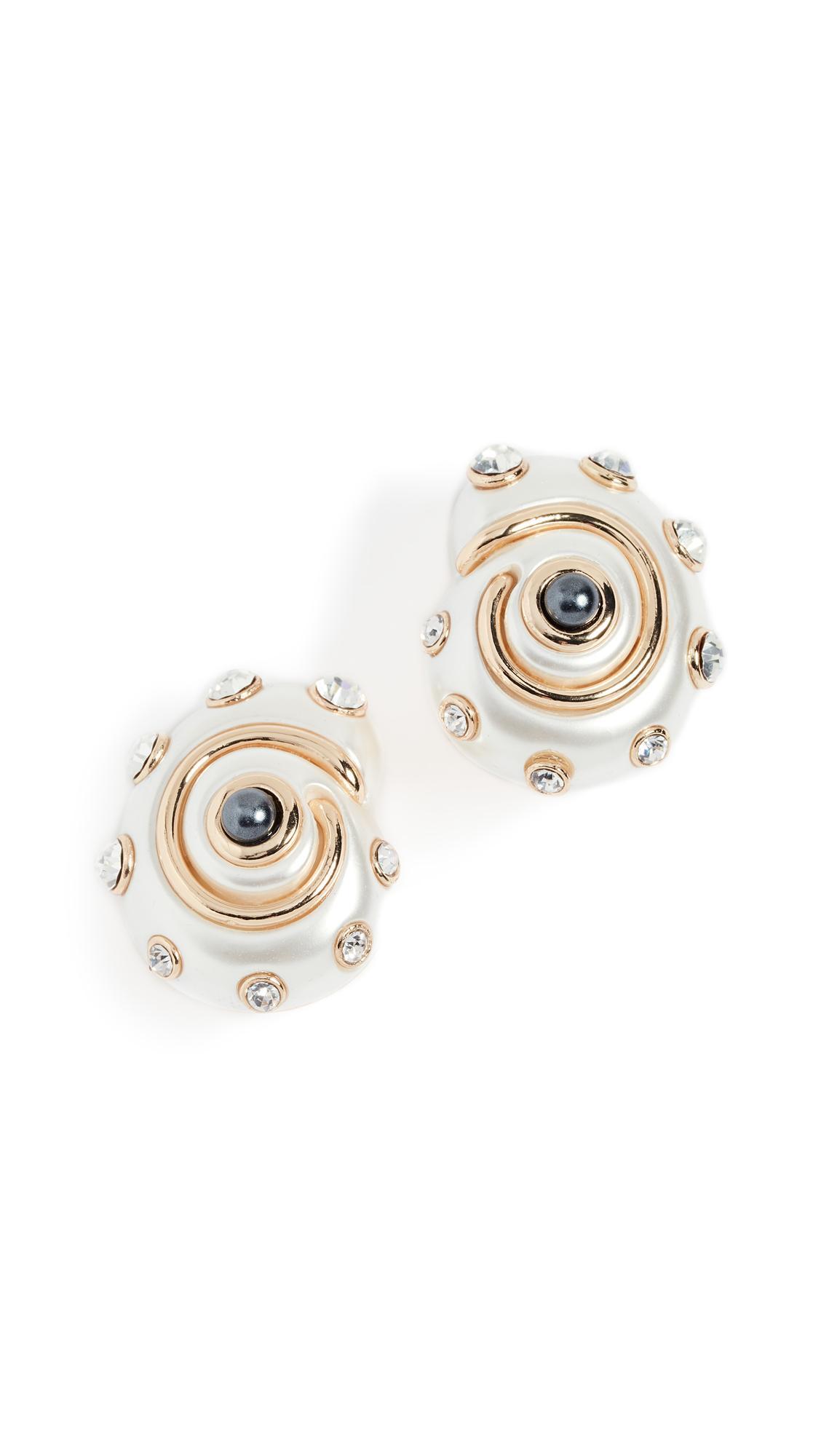 Kenneth Jay Lane Shell Earrings In Pearl