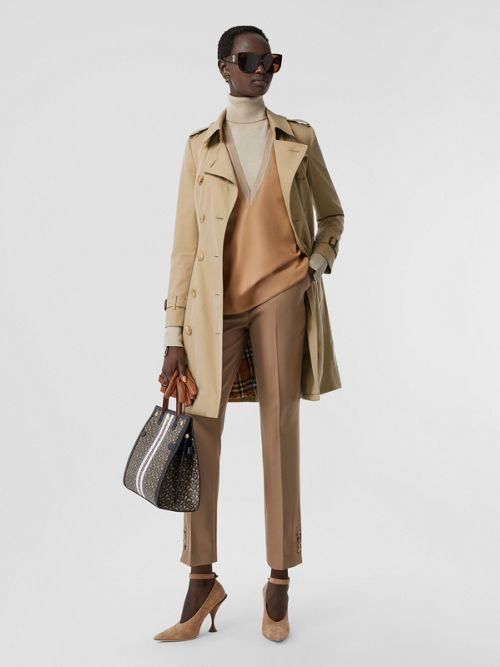 Burberry The Mid-length Chelsea Heritage Trench Coat In Honey