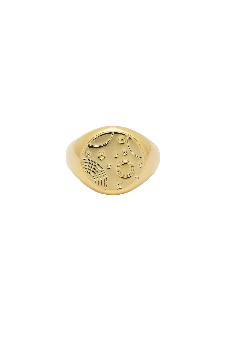 Wanderlust + Co Orbit Signet Ring In Gold