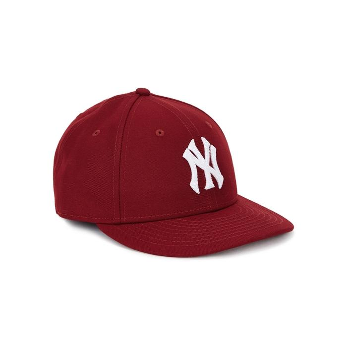 New Era New York Yankees Embroidered Cap In Burgundy