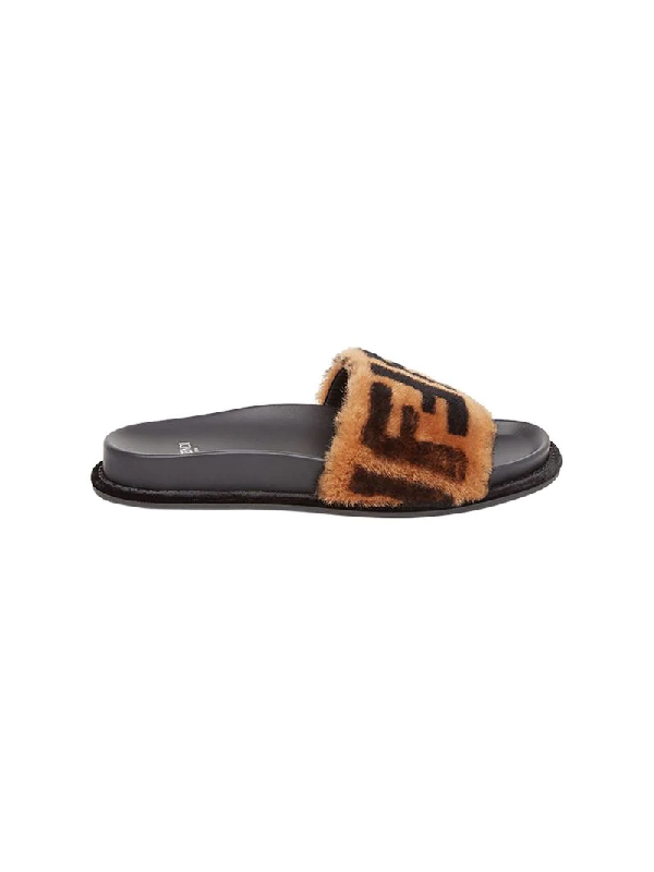 9392d80551c5 Fendi 20Mm Logo Shearling Slide Sandals In F13N9-Scanbrown Black ...
