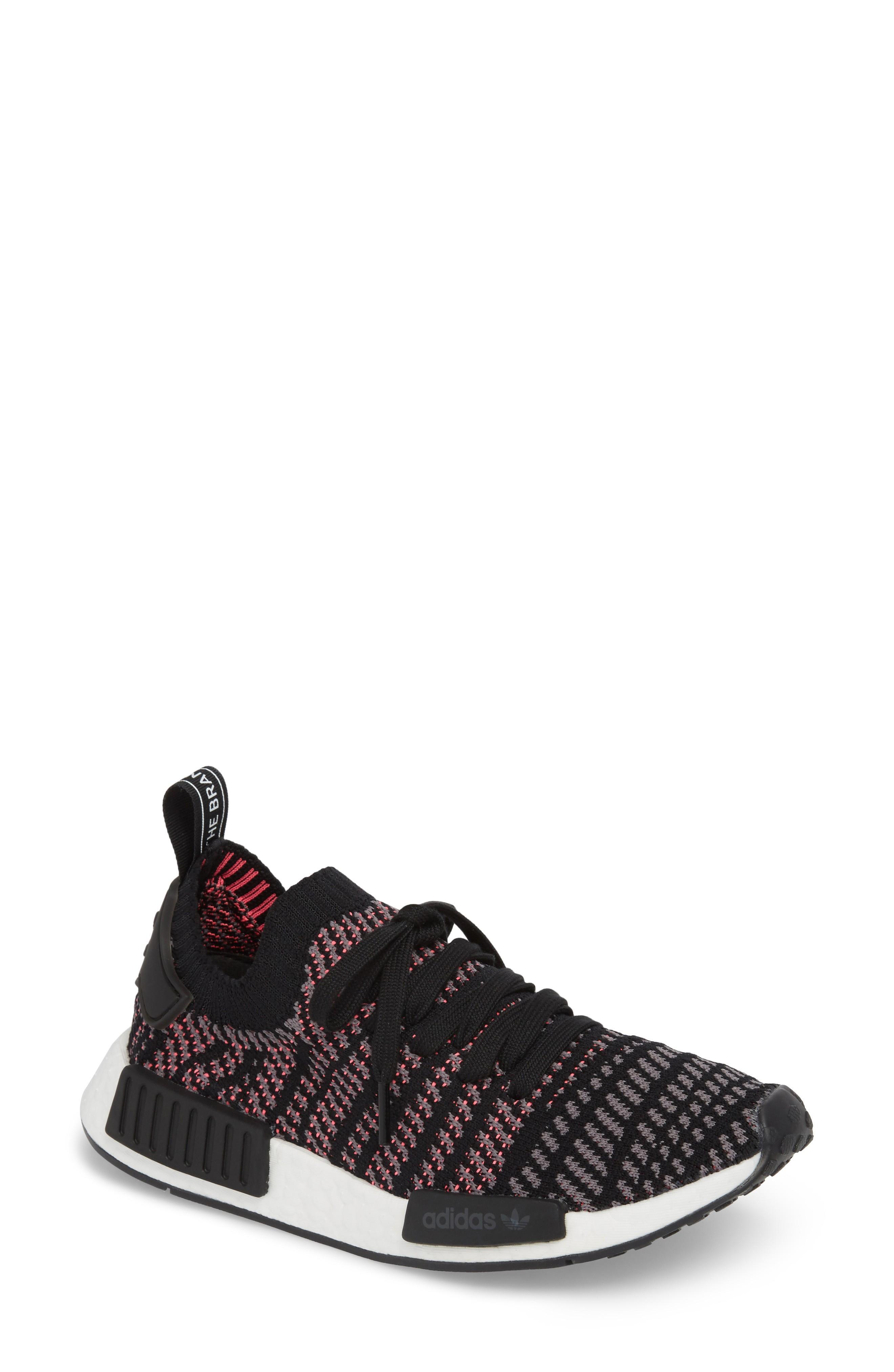 943b8f8d2e771 ADIDAS ORIGINALS. Nmd R1 Stlt Primeknit Sneaker in Core Black  Grey  ...