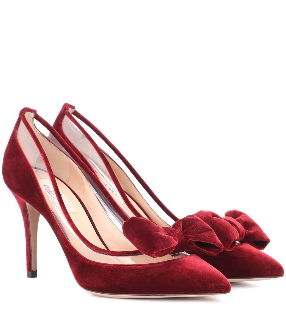 7a359423762 Valentino Dollybow Velvet Pumps In Red