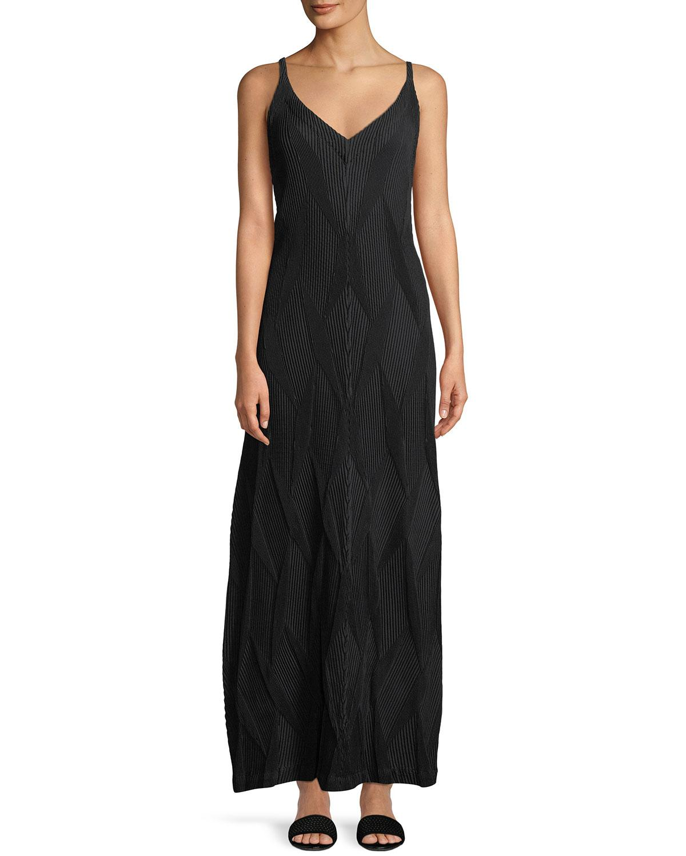 Issey Miyake Sleeveless Diamond Pleated A-Line Dress In Black