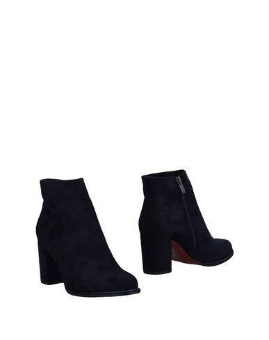 Vivien Lee Ankle Boot In Dark Blue