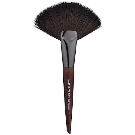 Make Up For Ever 134 Large Powder Fan Brush