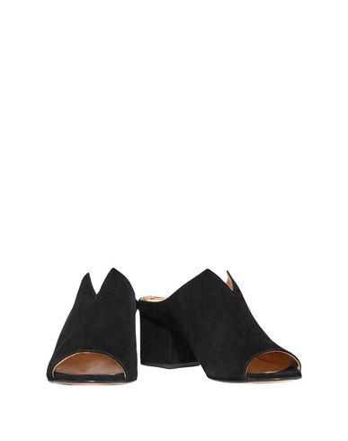 Iris & Ink Sandals In Black