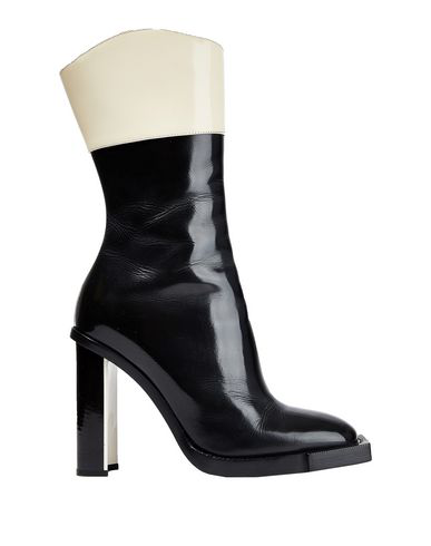 Alexander Mcqueen Leather Ankle Boots In Black