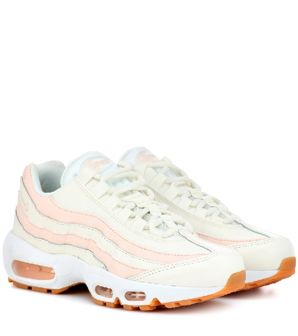 outlet store 59e4b a368c NIKE. Women s Air Max 95 ...