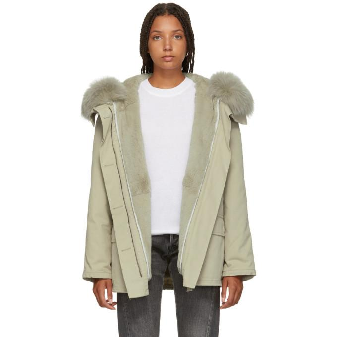51439f1101e4 Yves Salomon - Army Grey Classic Short Fur-Lined Parka In A2085 Grey ...