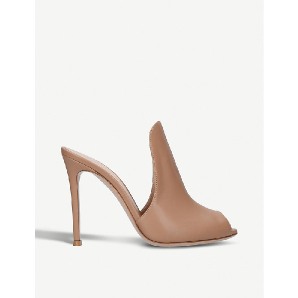 Gianvito Rossi Aramis 105 Leather Heeled Mules In Taupe
