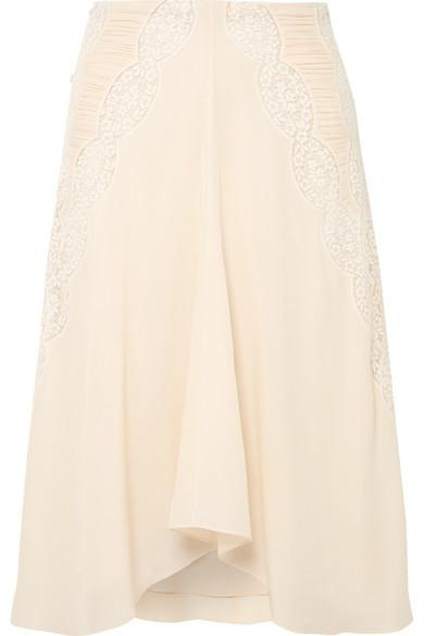 ChloÉ Ruched Crocheted Lace-Paneled Silk Crepe De Chine Skirt In Cream