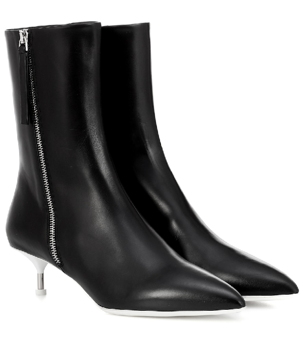 Jil Sander Leather Pointed-Toe Boots In Black
