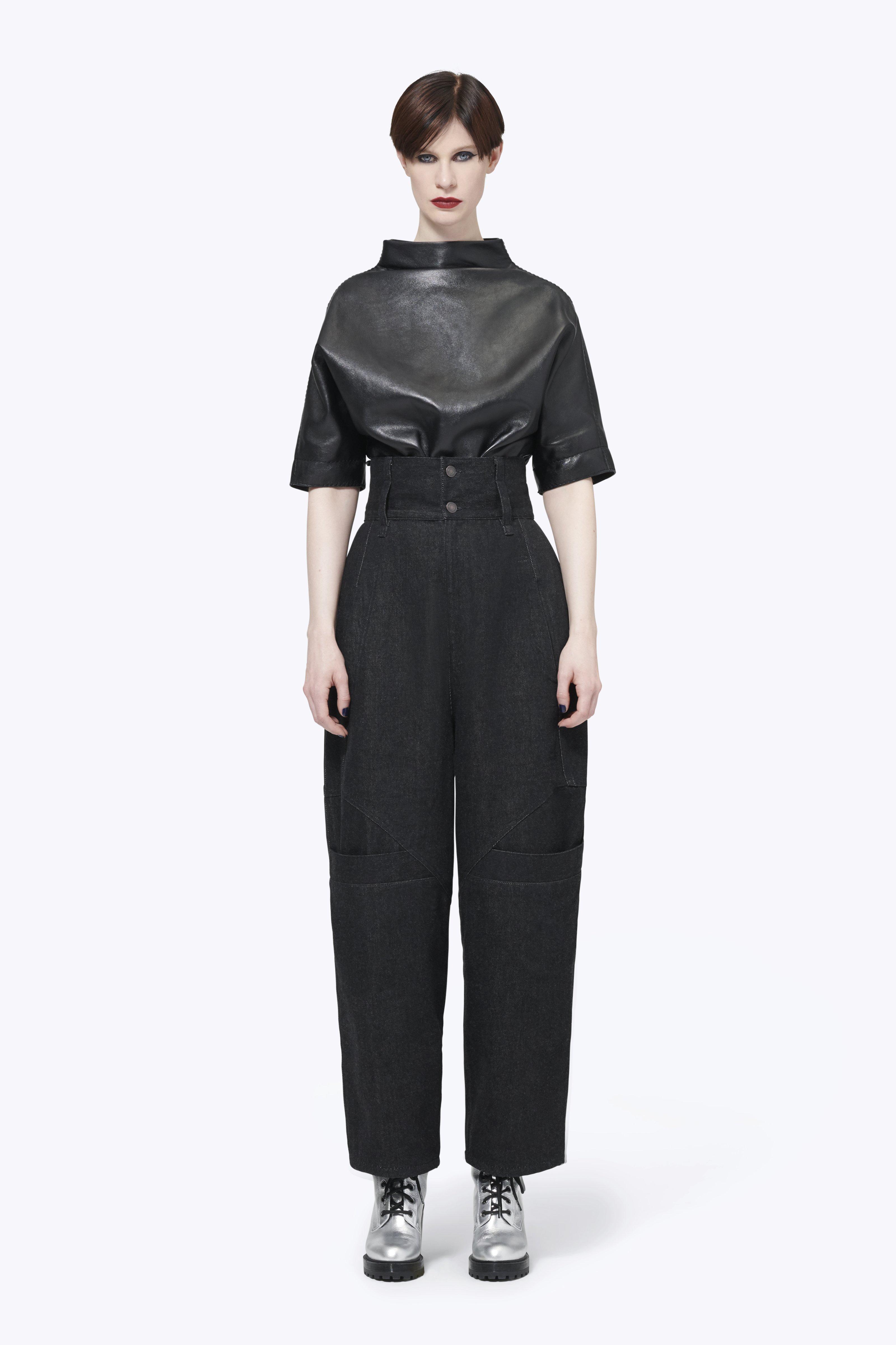 Marc Jacobs Tapered Denim Pant In Black