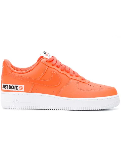 f5fc08f945434 Nike Men's Air Force 1 '07 Lv8 Jdi Leather Casual Shoes, Orange In Yellow