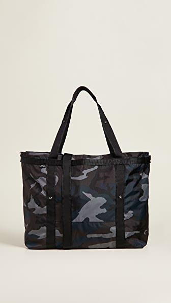 Andi Weekender Bag In Ink Camo