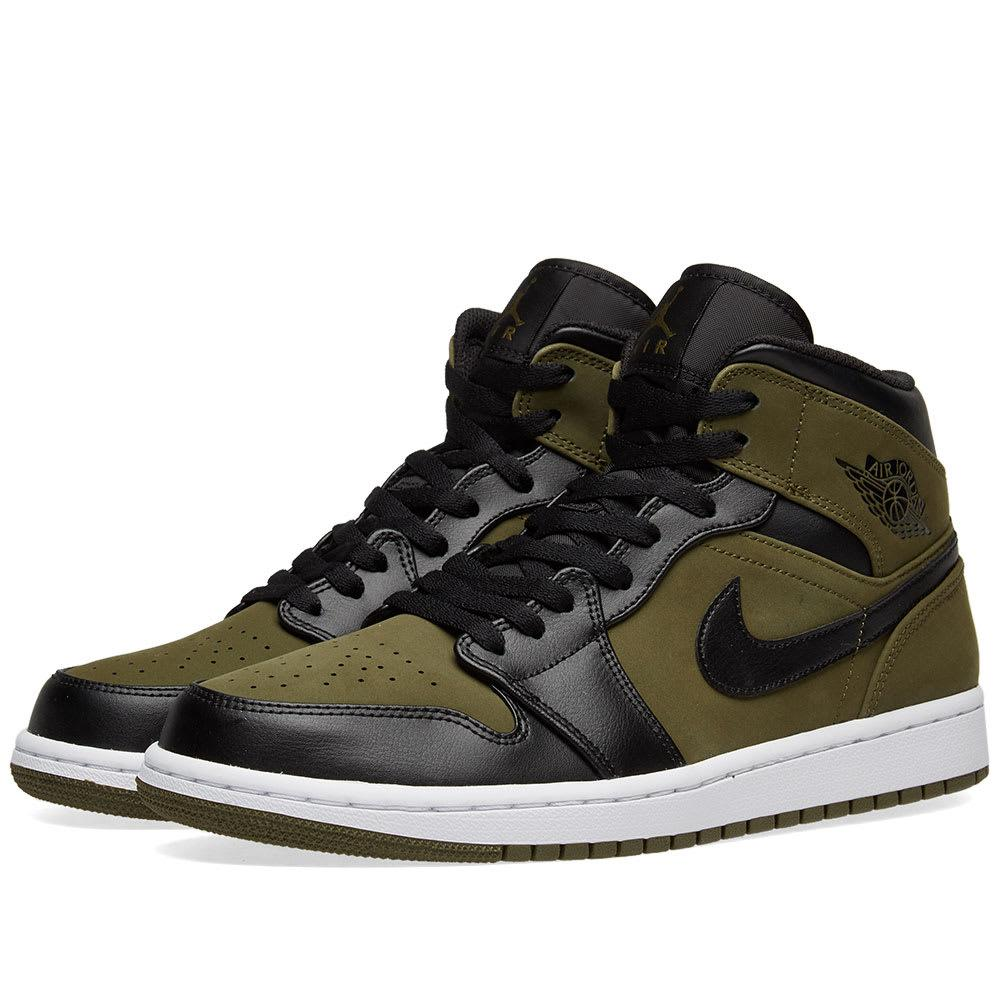 Nike Men S Air Jordan 1 Mid Retro Basketball Shoes f95b68f16