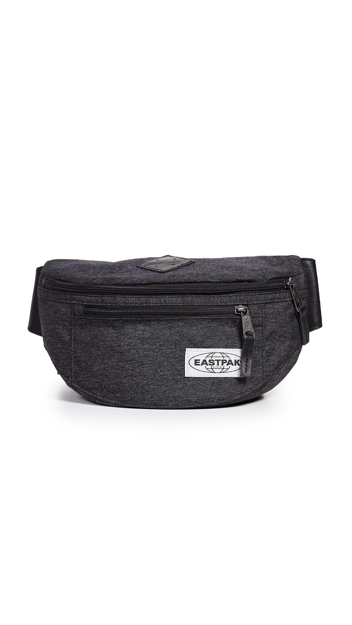 ab912ff0d76cb Eastpak Bundel Mini Bag In Into Camo