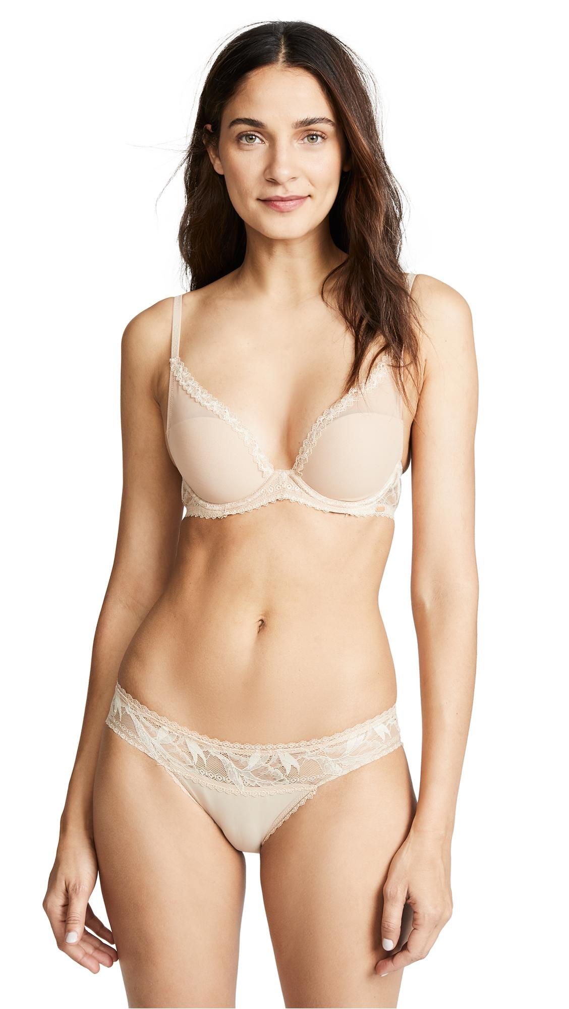 ce0ce2aa83 CALVIN KLEIN UNDERWEAR. Perfectly Fit Perennial Lightly Lined Plunge Bra in  Bare