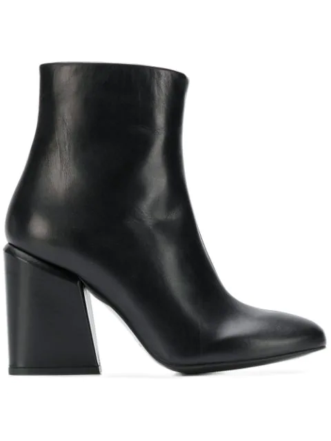 Kendall + Kylie Nova Boots In Black