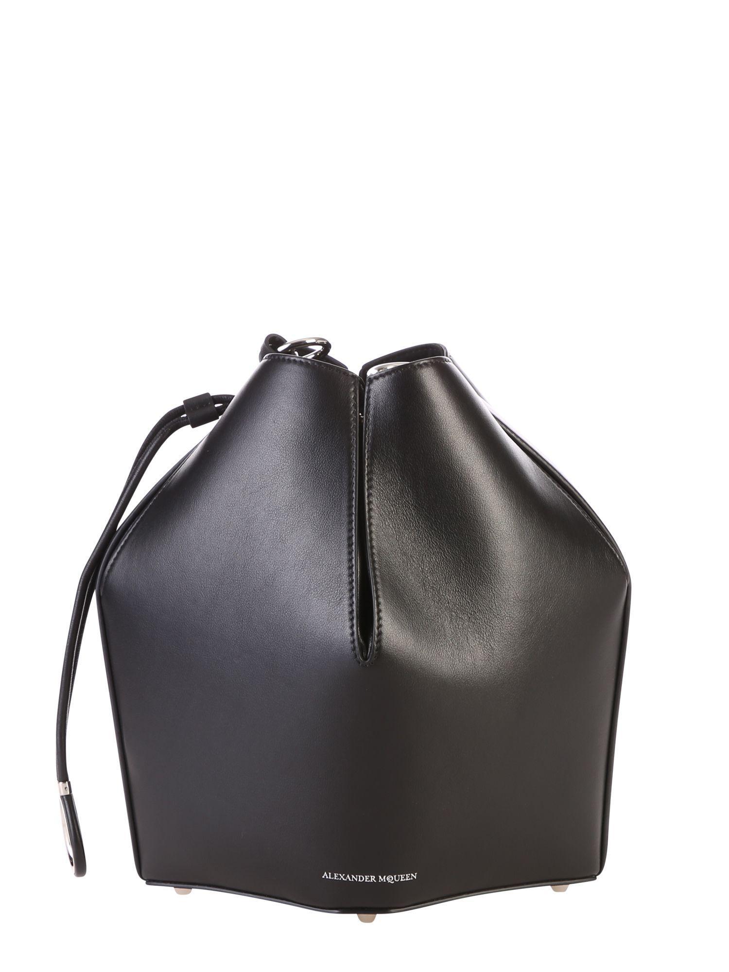Black Bucket Bag Alexander Modesens Mcqueen AOq5w5