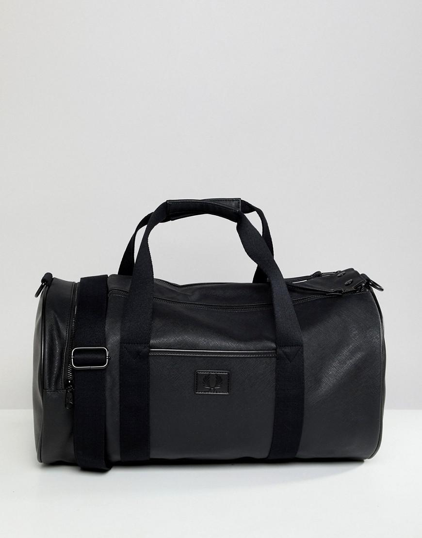 Fred Perry Saffiano Barrel Bag In Black - Black