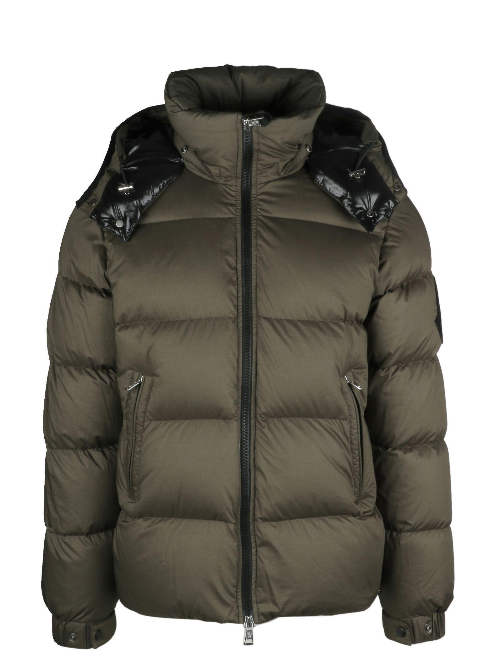 Moncler Bernier Padded Jacket In 827
