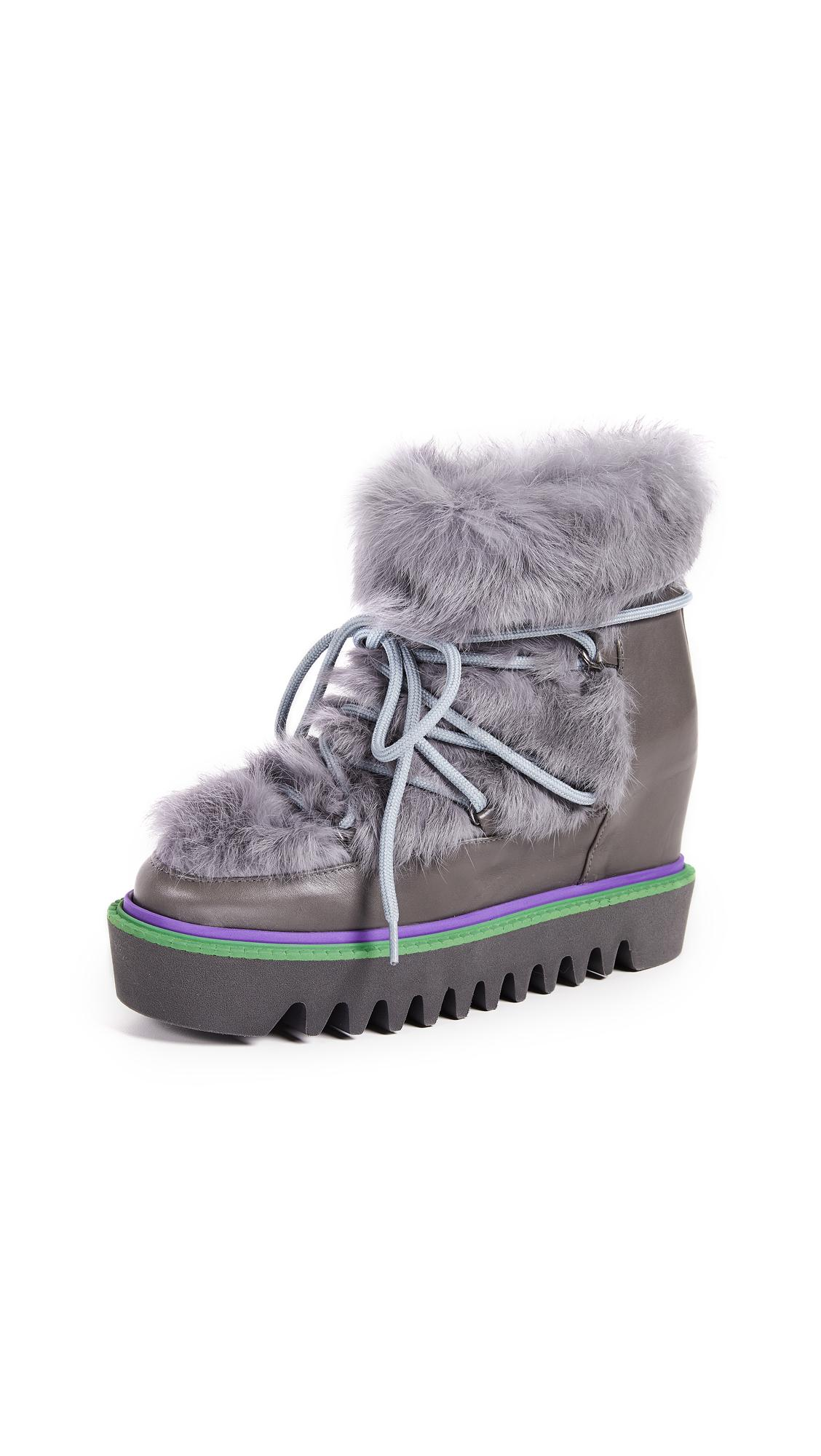 new products 767df 27d45 Triangle Boots in Grey